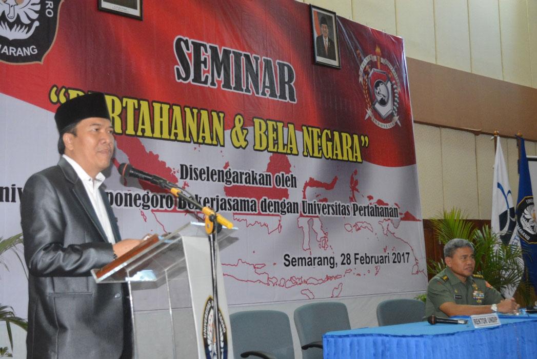 Rektor Undip dan Rektor Unhan saat menyampaikan paparan materinya dihadapan para mahasiswa