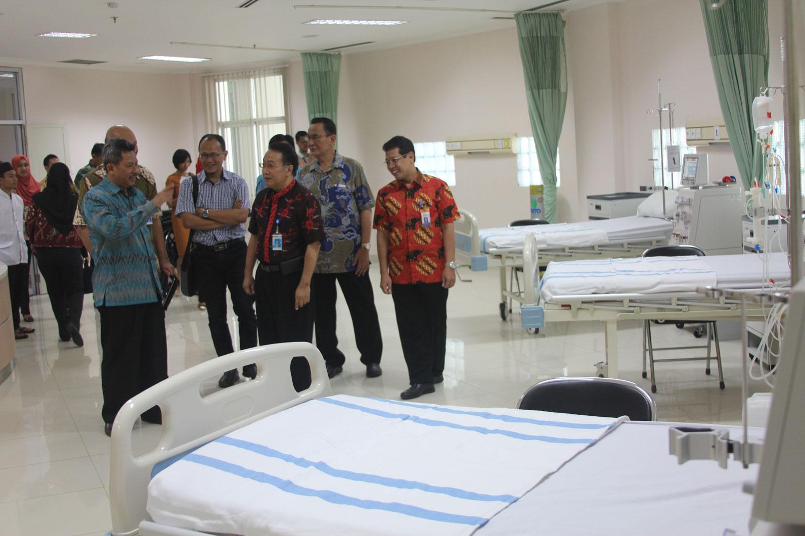 peresmian-unit-hemodialisa