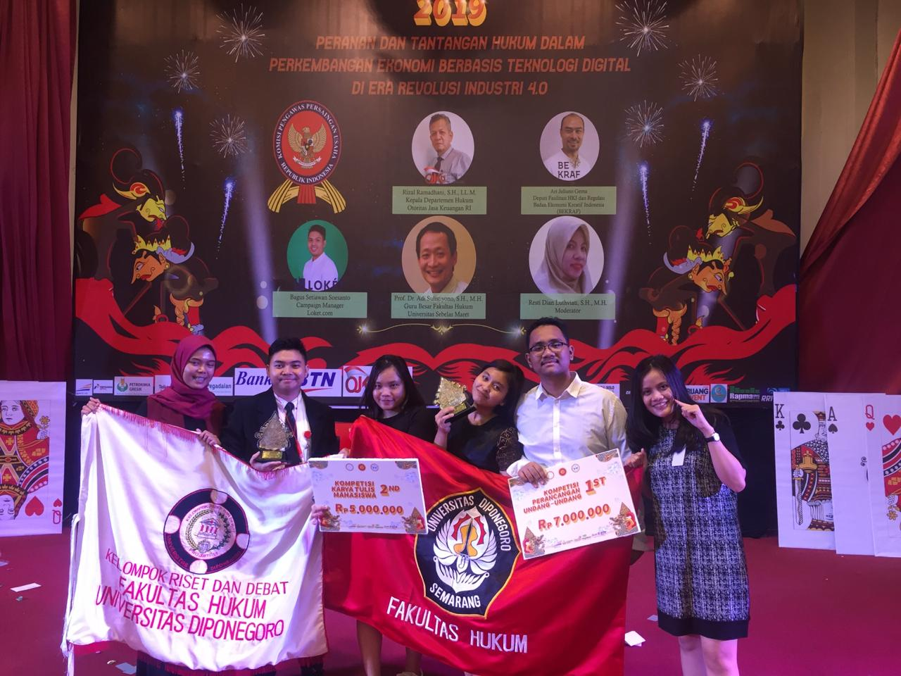 Student's Delegations of The Faculty of Law Seized Outstanding Achievement in National Legal National Week Competition Whose Taken by University of Sebelas Maret