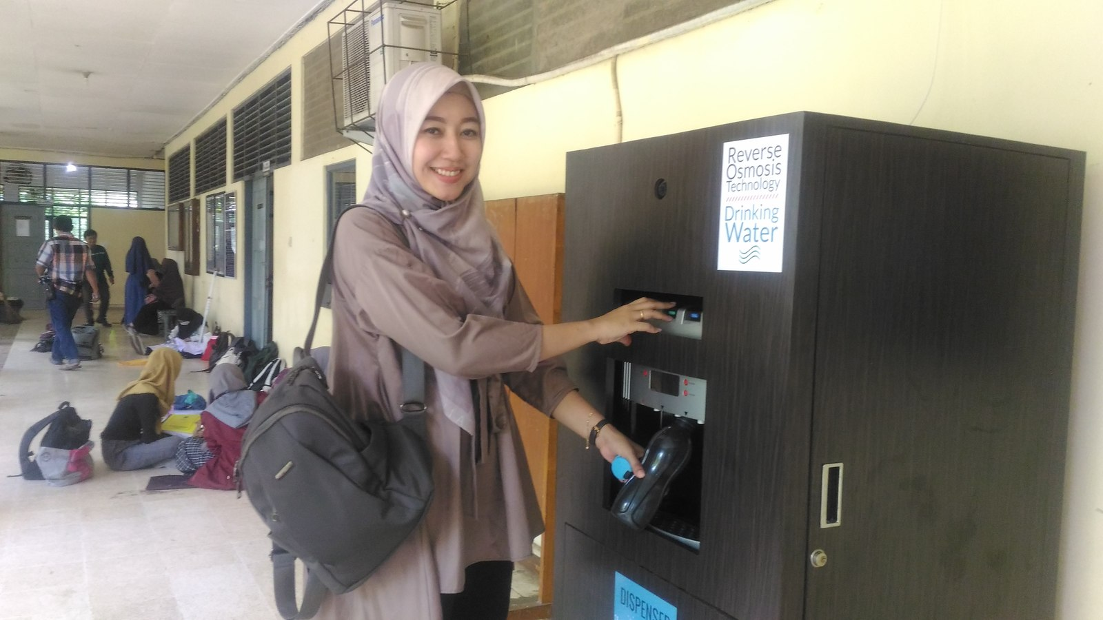 """Undip Vocations Enliven """"Piyaos"""" Culture Through Public Water Dispensers"""