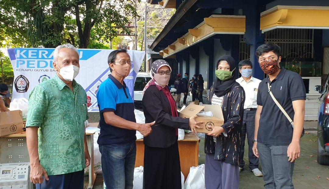 Aksi Kerapu Peduli Bersama UNDIP dan Pemprov Jateng Bagikan Paket Bantuan Kepada Mahasiswa Terdampak Pandemi