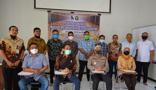 FPP Gelar Pelatihan Bisnis Manajemen Kandang Closed House