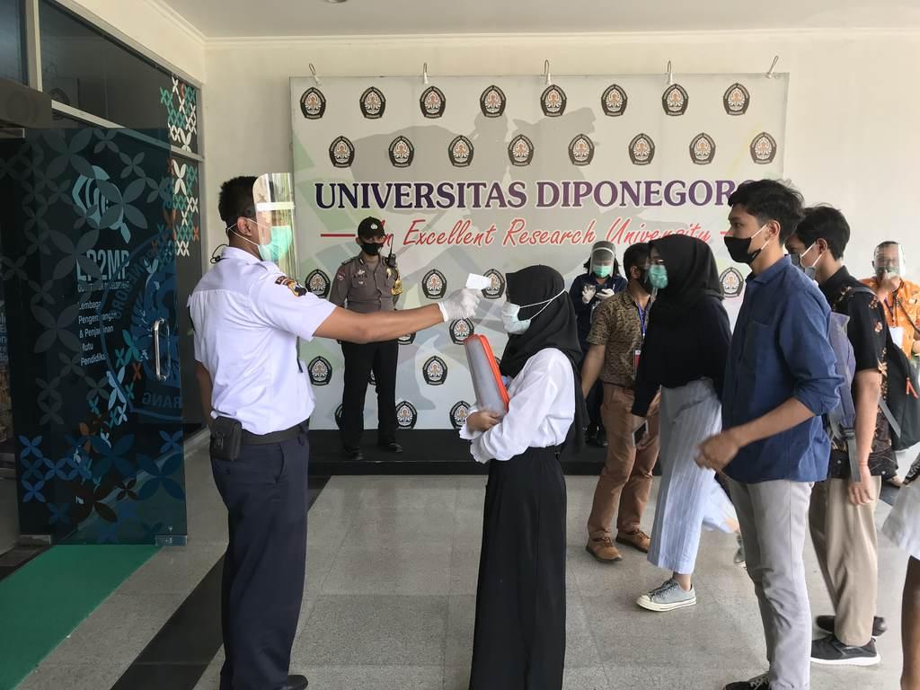 Utbk 2020 Implementation Undip Strictly Implements Health Protocols Universitas Diponegoro