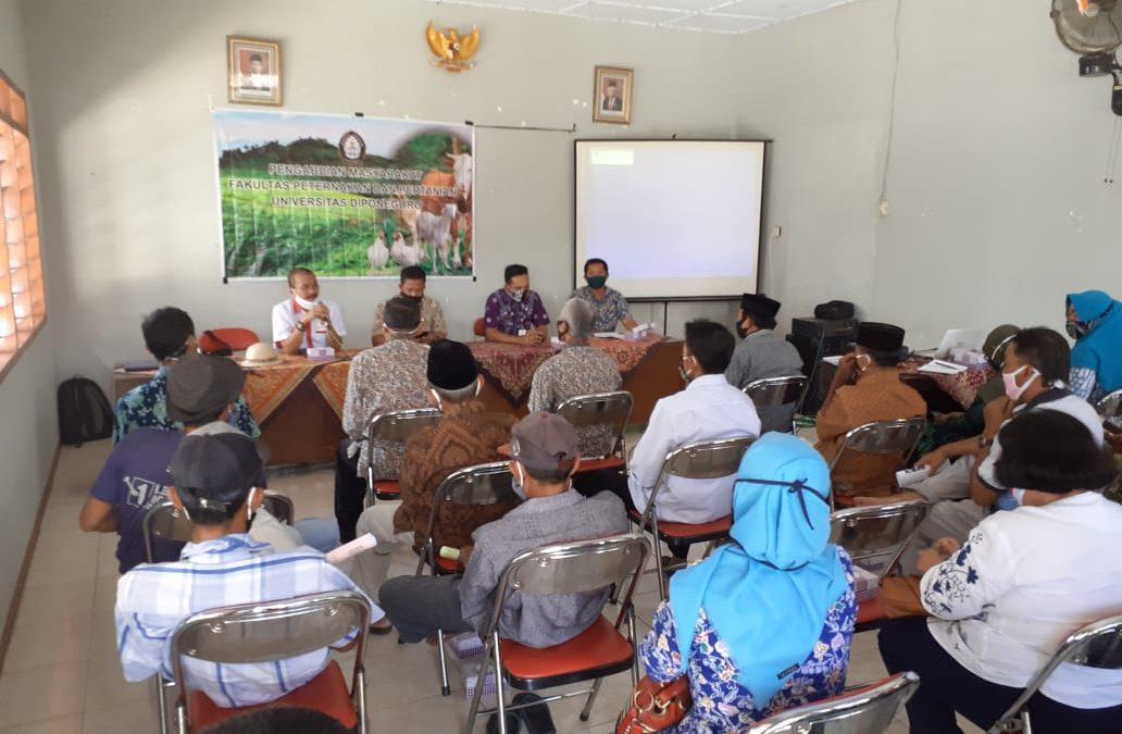 Professor of FPP UNDIP Accompanies Gapoktan Makmur Sejati Processing Animal Husbandry Waste into Organic Fertilizer