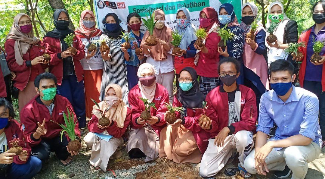 """""""Kokedama Making"""" MITI KM Local Wisdom Research Program by UKM Research and Business Diponegoro University"""