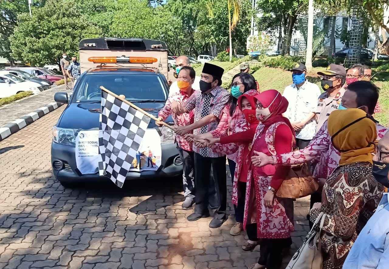 Bhakti Sosial untuk memperingati Dies Natalis ke-63 UNDIP wujud kepedulian lingkungan