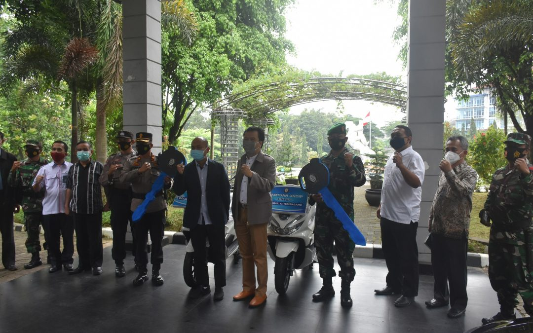 UNDIP HANDED OVER OPERATIONAL VEHICLE ASSISTANCE
