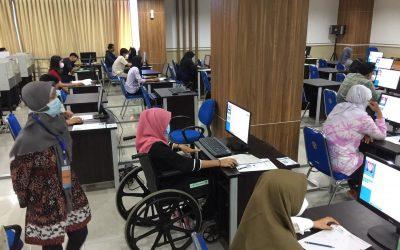Layanan Prima Undip Untuk Peserta UTBK Dengan Kursi Roda