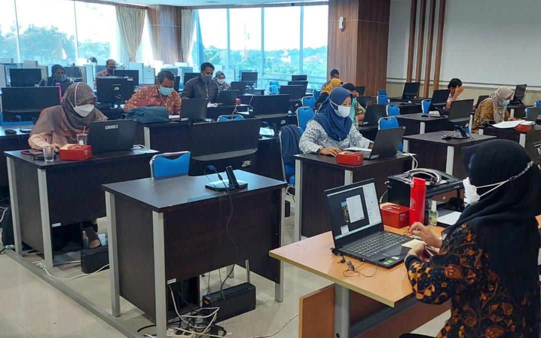 UNDIP Terapkan Prokes Ketat Bagi Pengawas Ujian Mandiri