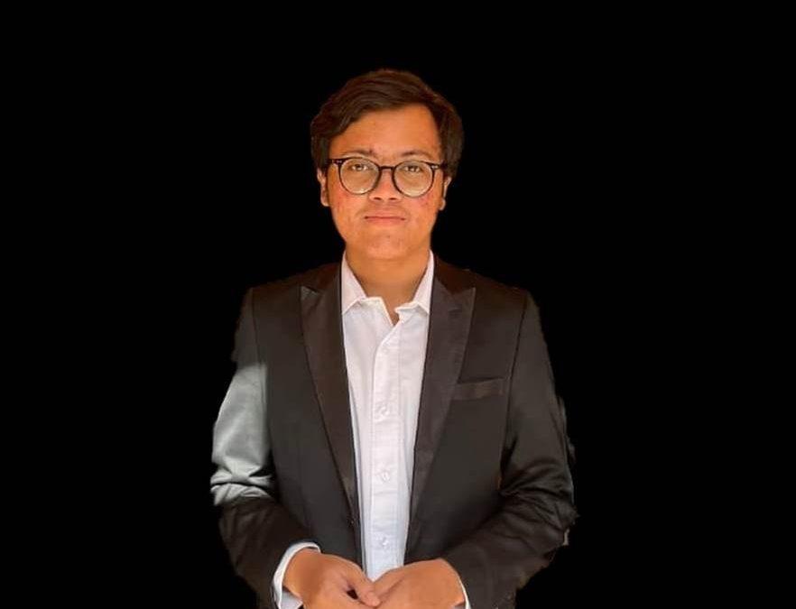 Mahasiswa Fakultas Hukum UNDIP, Suprat Aditia, Juarai Legal Opinion Ubaya Law Fair 2021