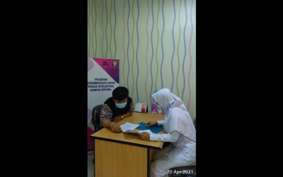 Mahasiswa Departemen Ilmu Keperawatan Melaksanakan Kegiatan Pembelajaran di Diponegoro Wound Care