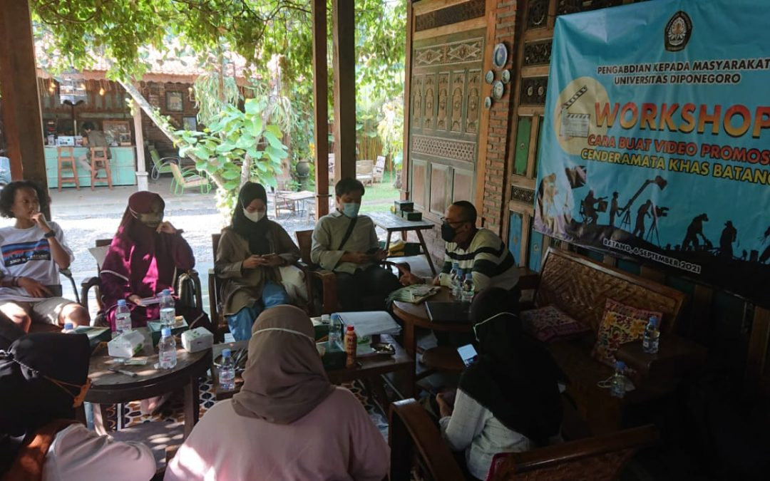 Encouraging Tourism in Batang Regency, Undip Conducted Training on Making Promotional Videos of Souvenirs