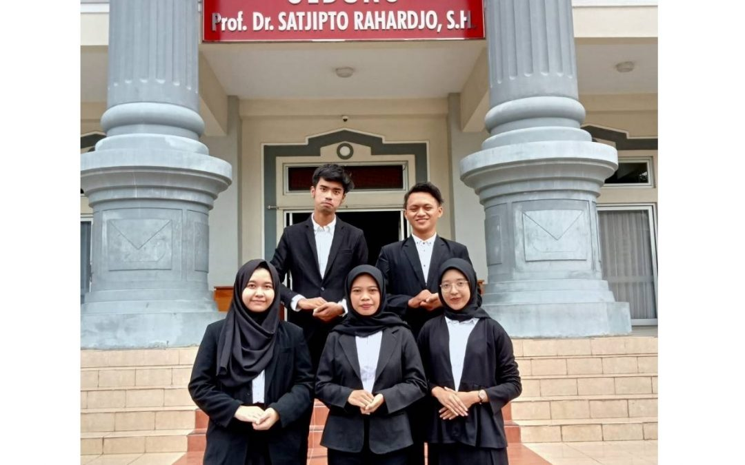 A Team of Faculty of Law UNDIP Won Best Paper at Constitutional Law Festival 2021 at Brawijaya University